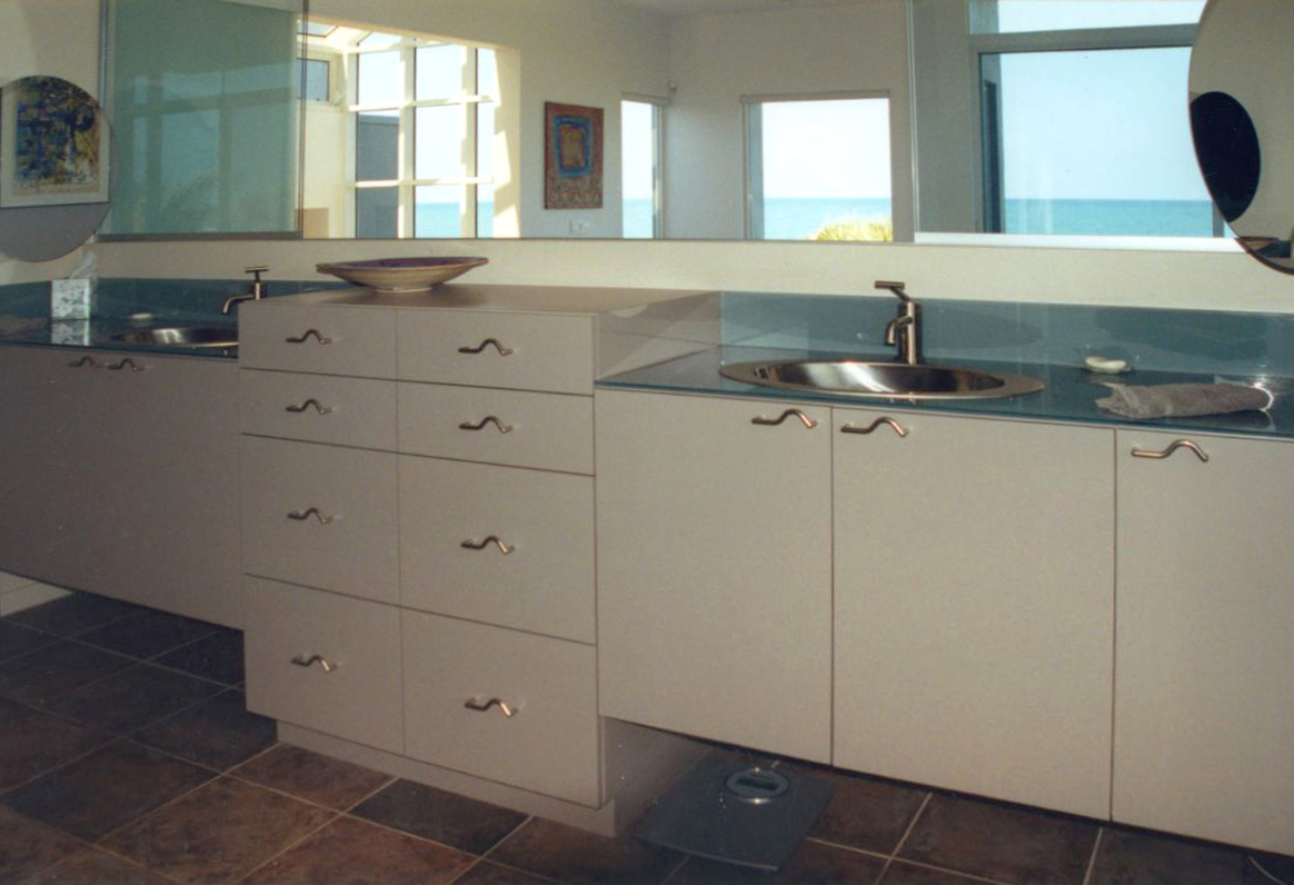 casey key modern kitchen design 5